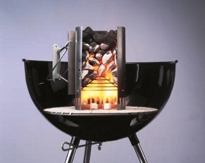 Weber: il barbecue a carbone si accende con la ciminiera