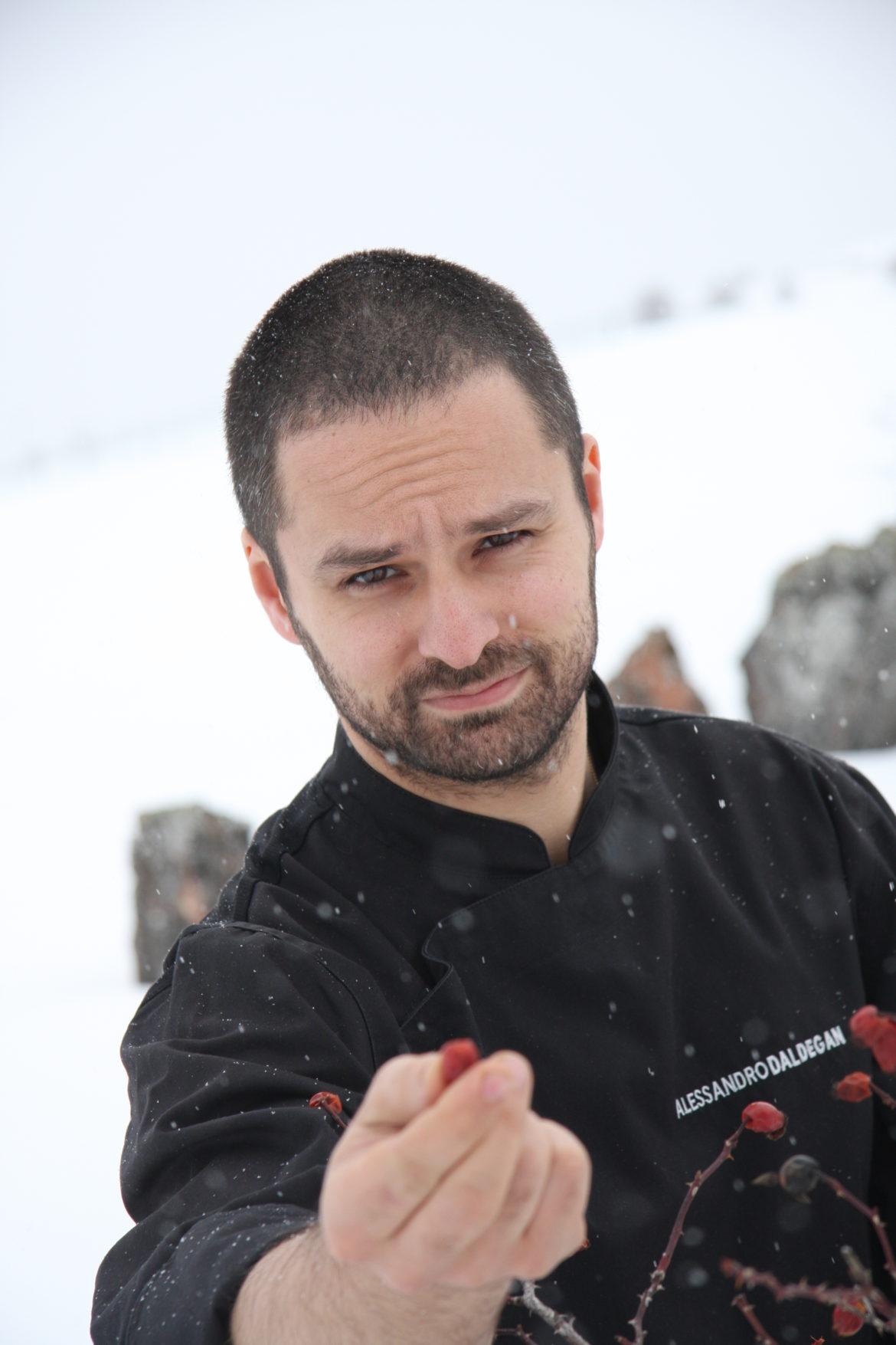 Alessandro Dal Degan, chef del ristorante La Tana di Asiago, entra a far parte delle Guide de l'Espresso