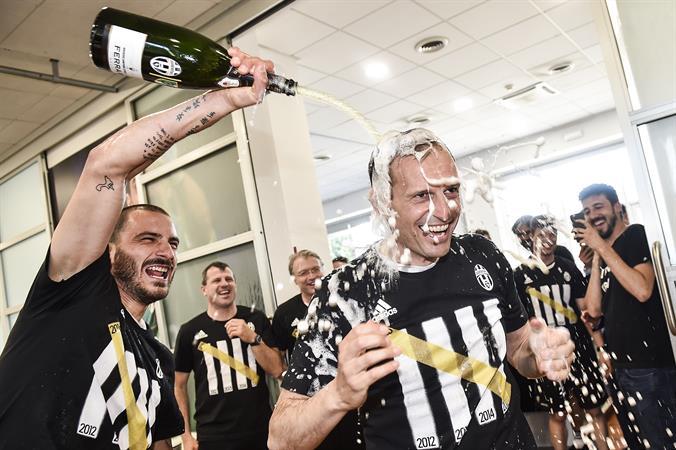 La Juventus per festeggiare il 34° scudetto brinda con Ferrari Trentodoc