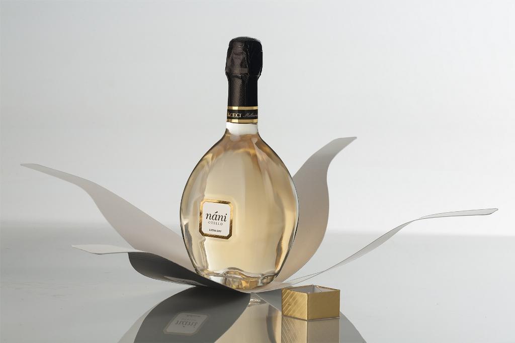 A Vinitaly 2016 l'unico spumante luxury in una elegante bottiglia di profumo firmato Ceci