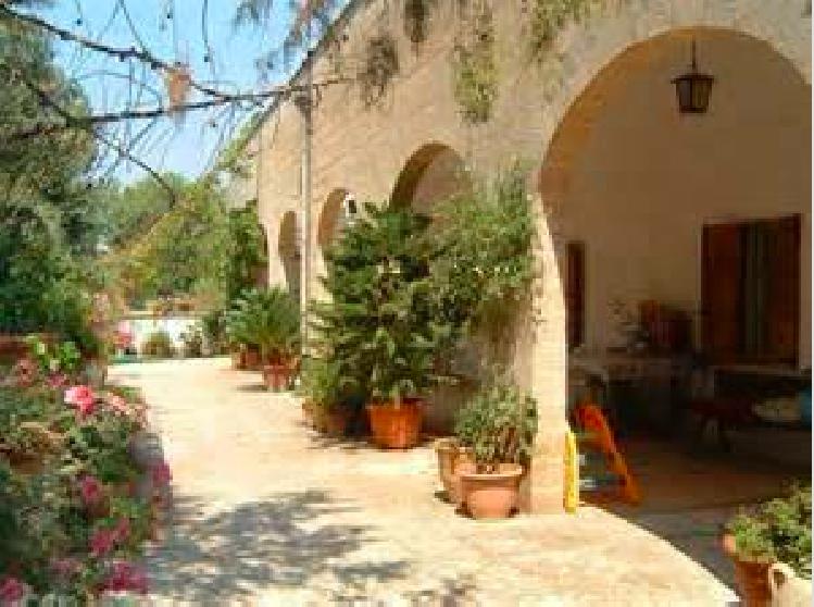 In Puglia i 10 indirizzi nell'entroterra dove mangiano i salentini