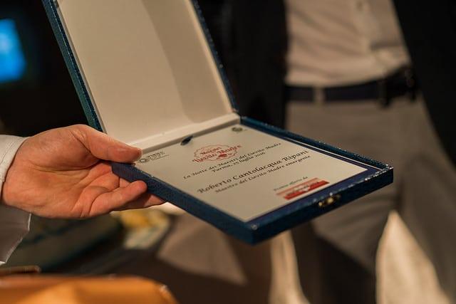I canditi di Agrimontana: premiato il maestro emergente Roberto Cantolacqua alla Notte dei Maestri del Lievito Madre