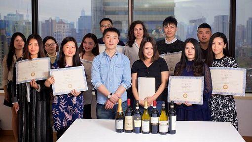 Vino, indagine: Web 2° canale di acquisto per i millennials cinesi