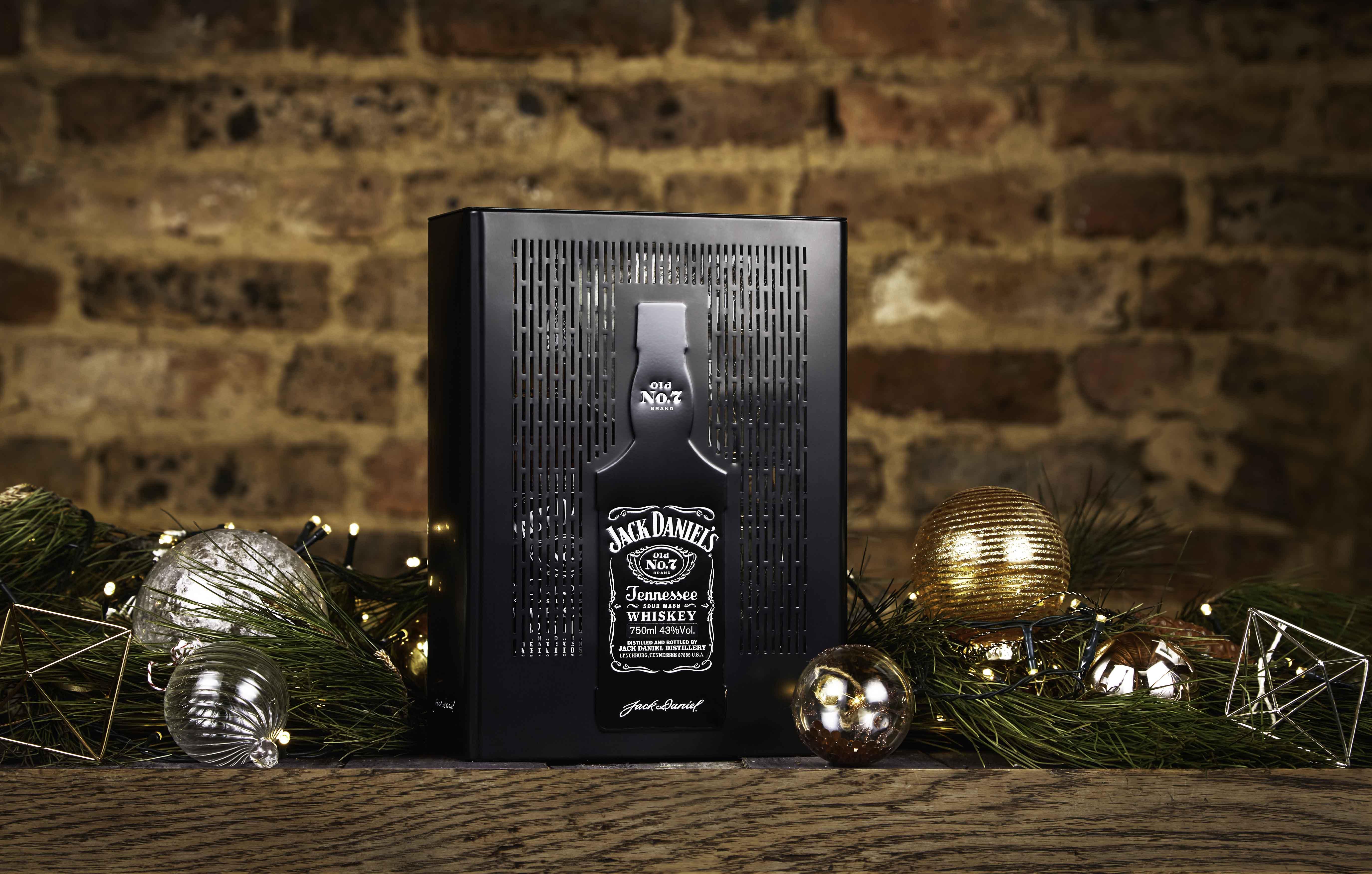 Vivi il Natale con lo spirito Jack Daniel's