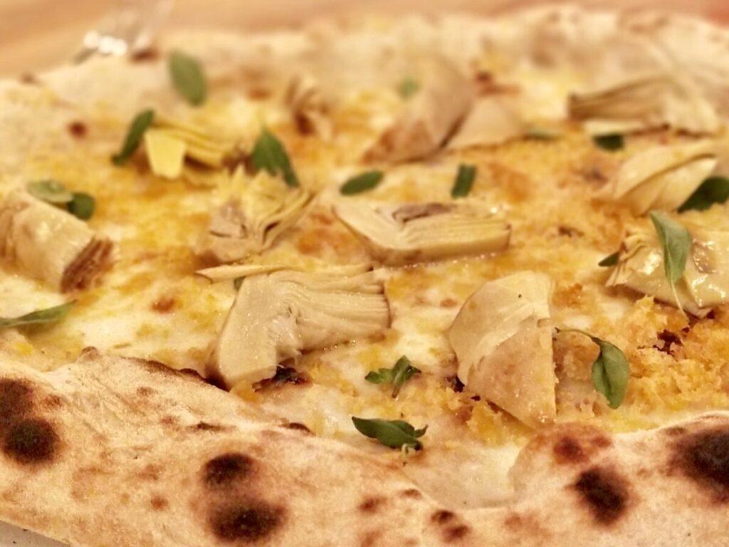 Per le Tavole di Identità Golose la pizza dei fratelli Salvo al ristorante Bioesserì Brera