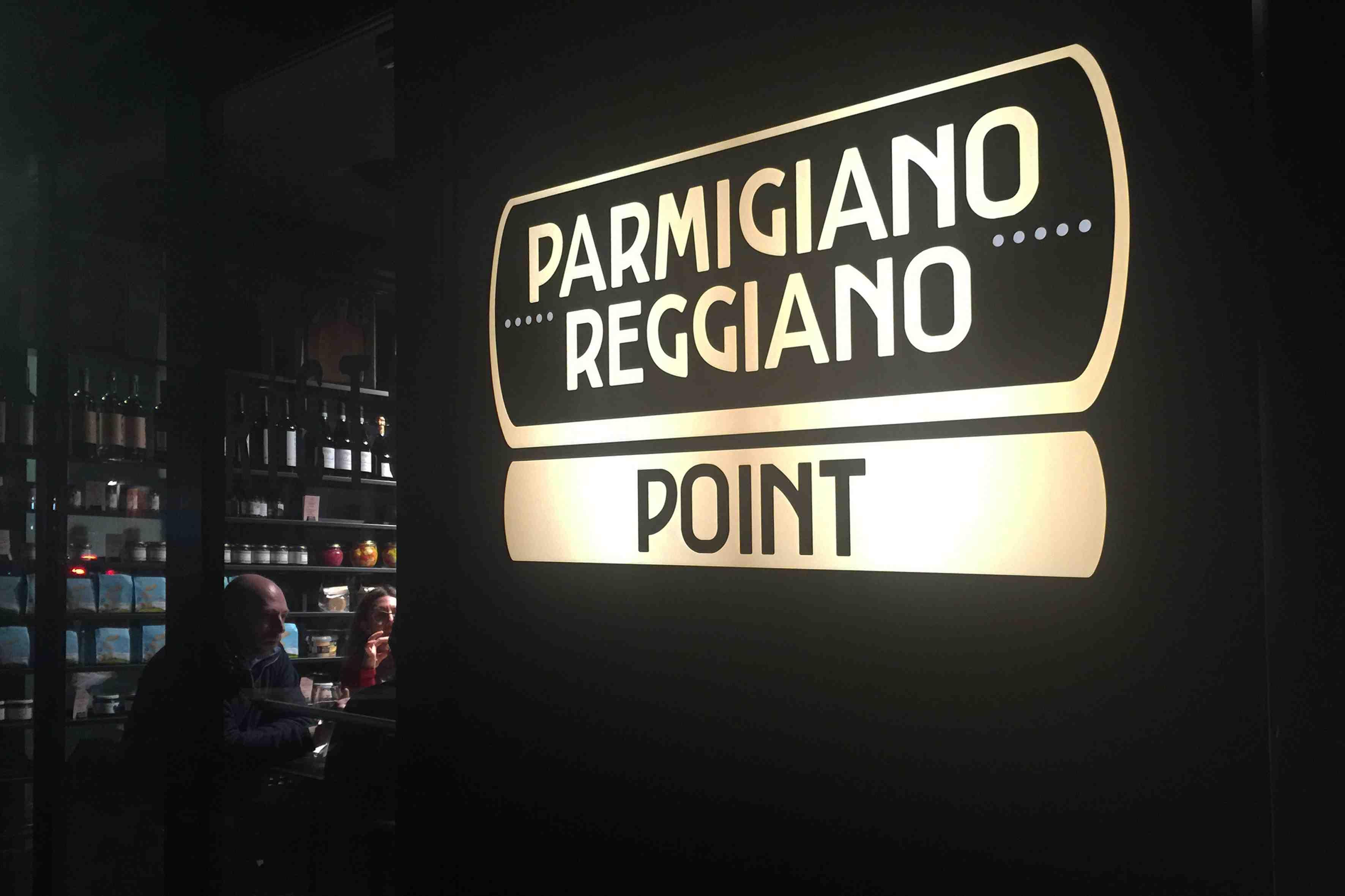 Tutti al Parmigiano Reggiano Point!