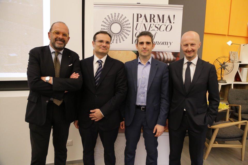 """Presentato a Milano il """"sistema Parma"""" per promuovere il territorio attraverso il cibo: la cabina di regia e i grandi eventi gastronomici del 2018"""