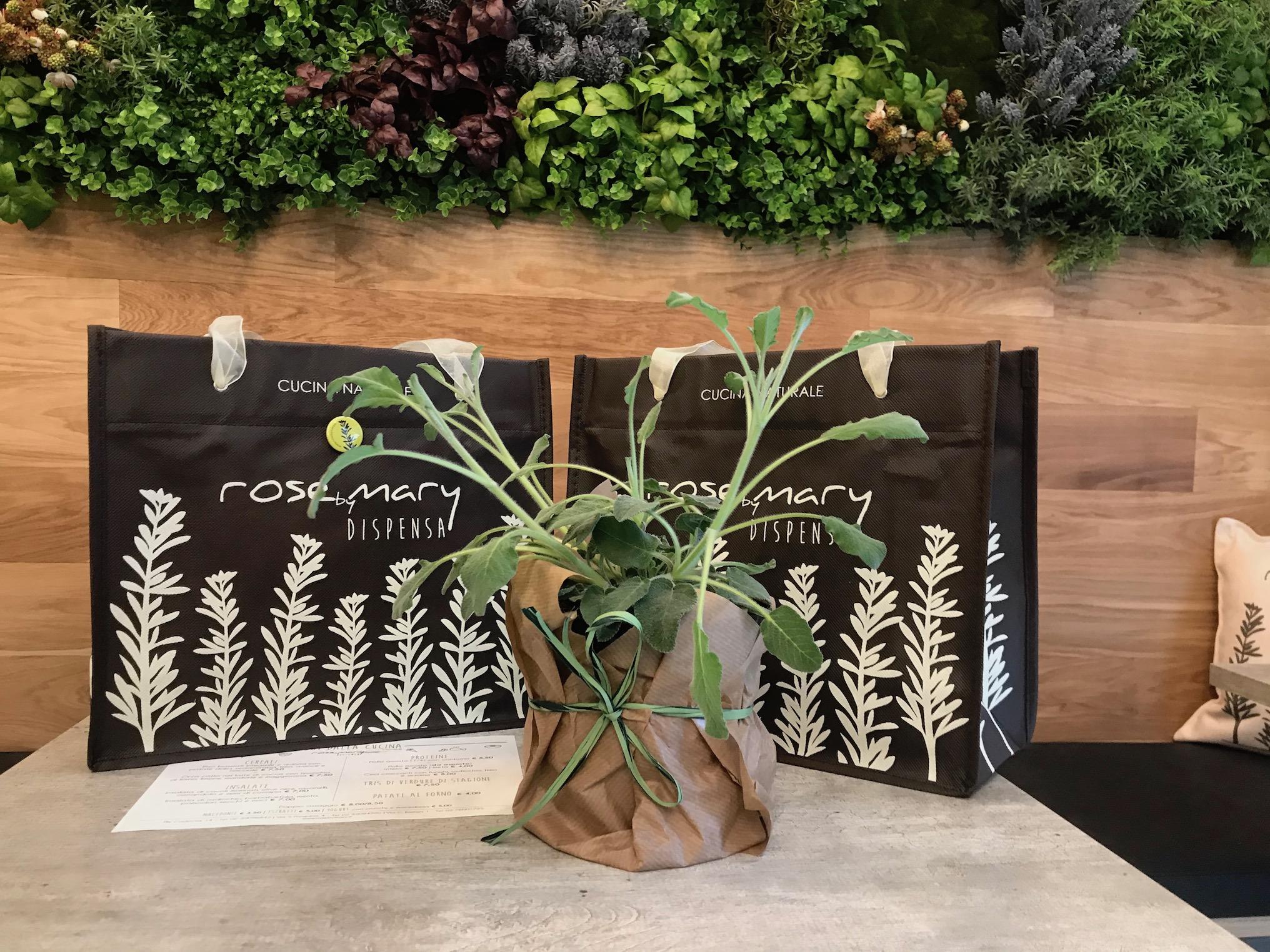 La cucina naturale di Rosebymary inaugura il suo terzo negozio fa a Milano!