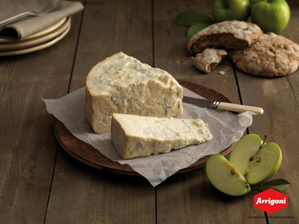 Per gli amanti del Biologico, il caseificio Arrigoni Battista propone due formaggi che renderanno al tavola delle feste ancora più golosa!