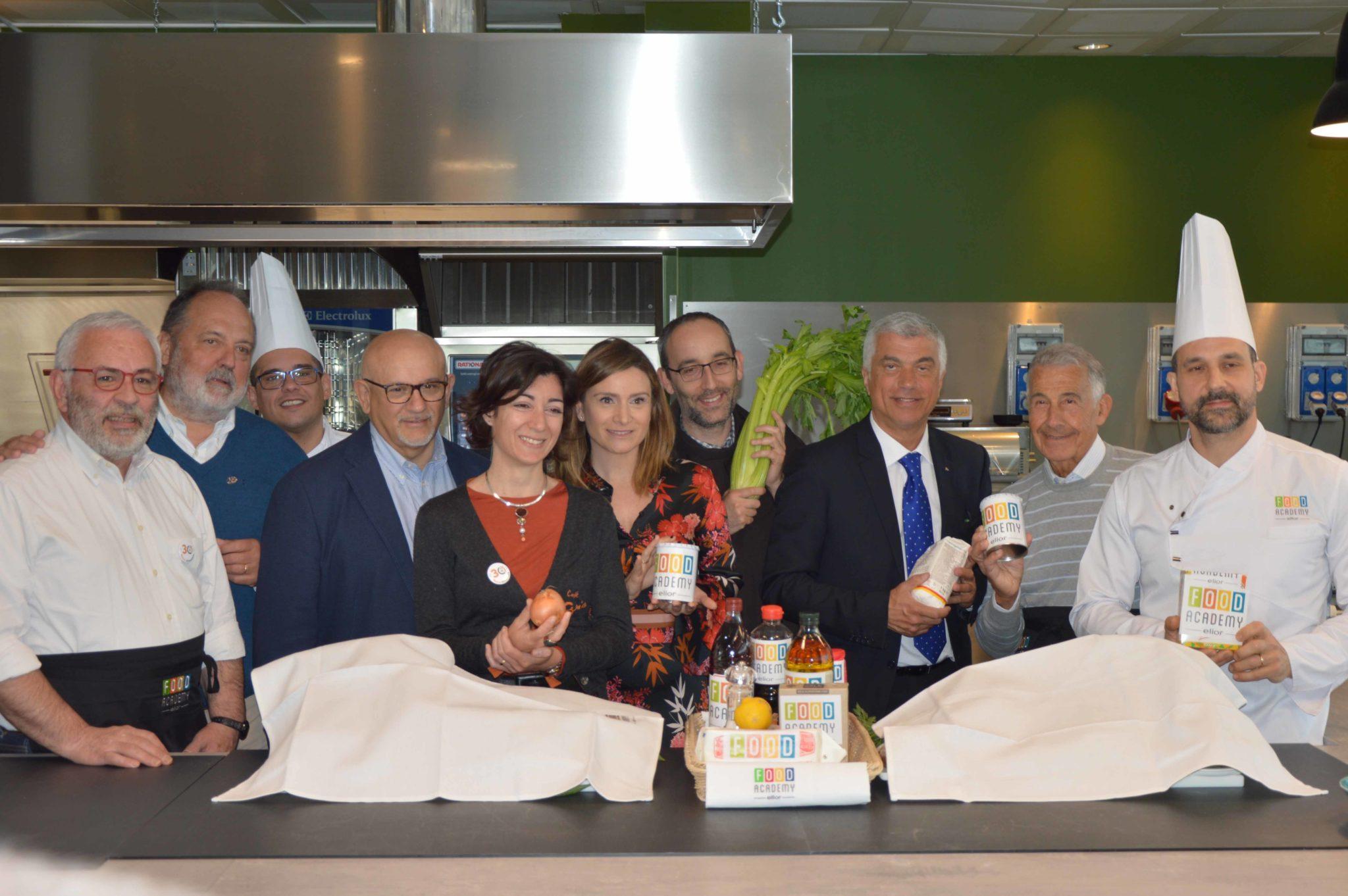 Nuovo menù sostenibile: Ramen alla lombarda, proposto da Comune di Milano, Banco Alimentare e Gruppo Elior