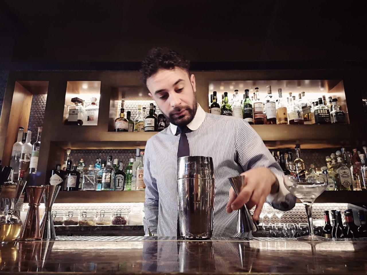 Mixa dolce e amaro il drink FINIMONDO di Vincenzo Tropea del Ristorante Pierluigi di Roma