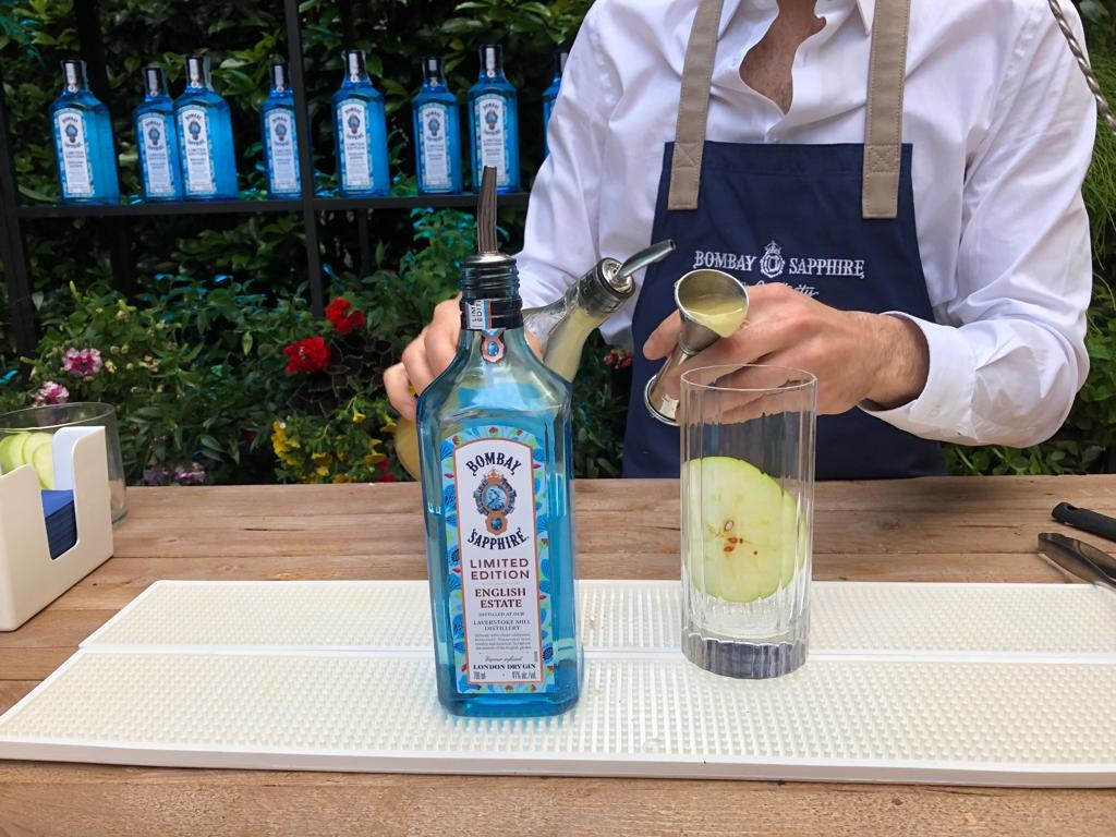 BOMBAY SAPPHIRE® Limited Edition English Estate, perfetto per i cocktail estivi