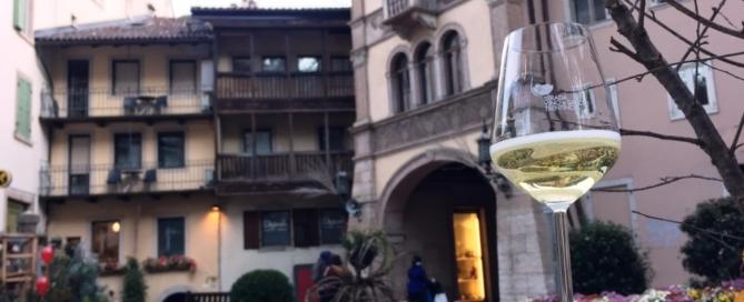 Happy Trentodoc, kermesse per degustare le deliziose bollicine del Trentino