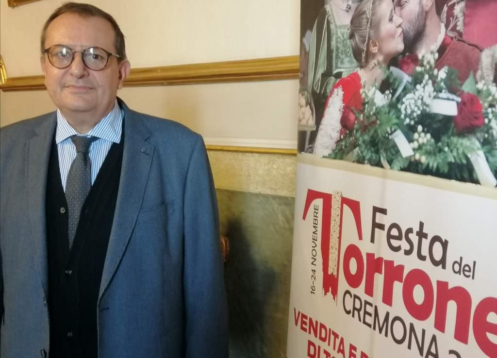 Festa del Torrone di Cremona: Rivoltini realizza in piazza la lastra di torrone lunga 10 metri