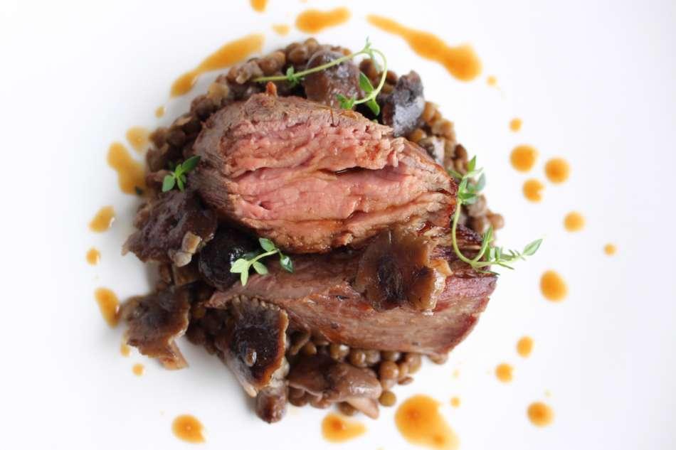 Ricetta per un inizio d'anno goloso: Filetto di vitello, lenticchie e funghi chiodini