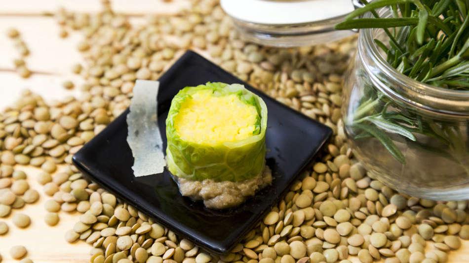 Sushi di risotto alla milanese Knorr in foglia di verza, una ricetta gourmet a casa vostra