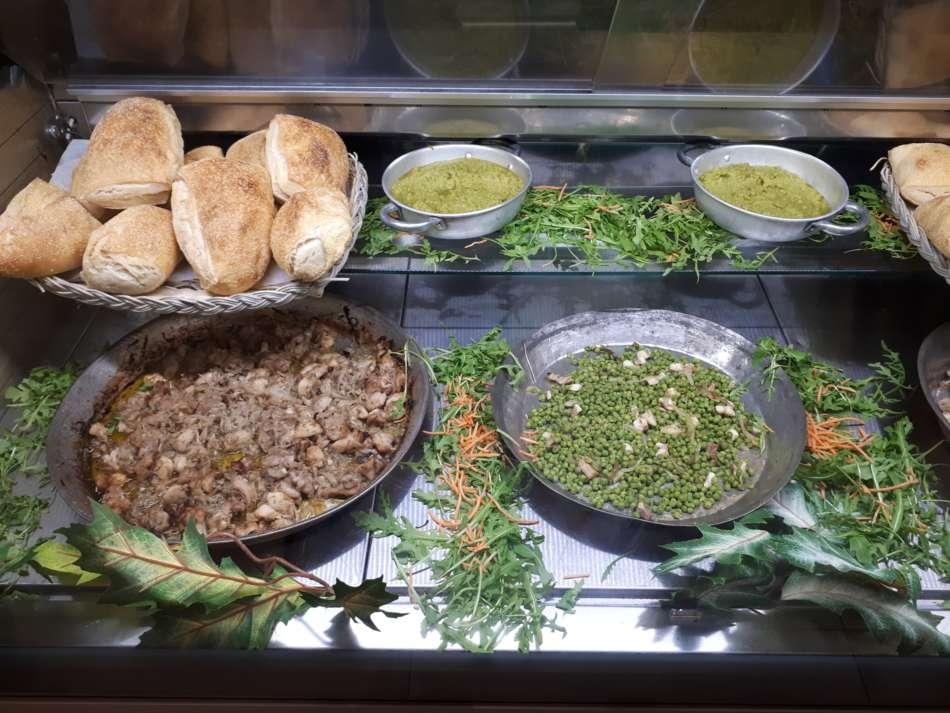 """L' """"Avenida"""" di Pianura, l'orto di Napoli, paese di Santi, di eroi e del panino al coniglio"""