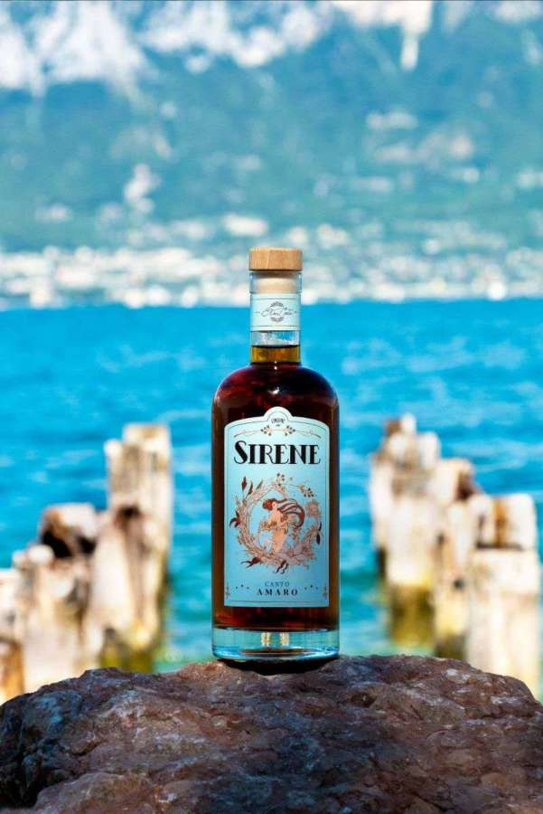 Canto Amaro della Sirena del Garda by Liquori delle Sirene: il nuovo amaro perfetto come regalo di Natale