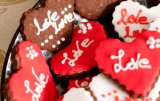 """Per San Valentino biscotti """"Love you"""" ideati da Matteo Cunsolo Maestro panificatore"""