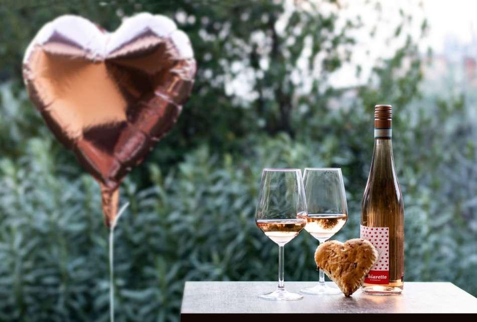 Chiaretto di Bardolino: San Valentino si tinge di rosa sul lago di Garda e a Verona