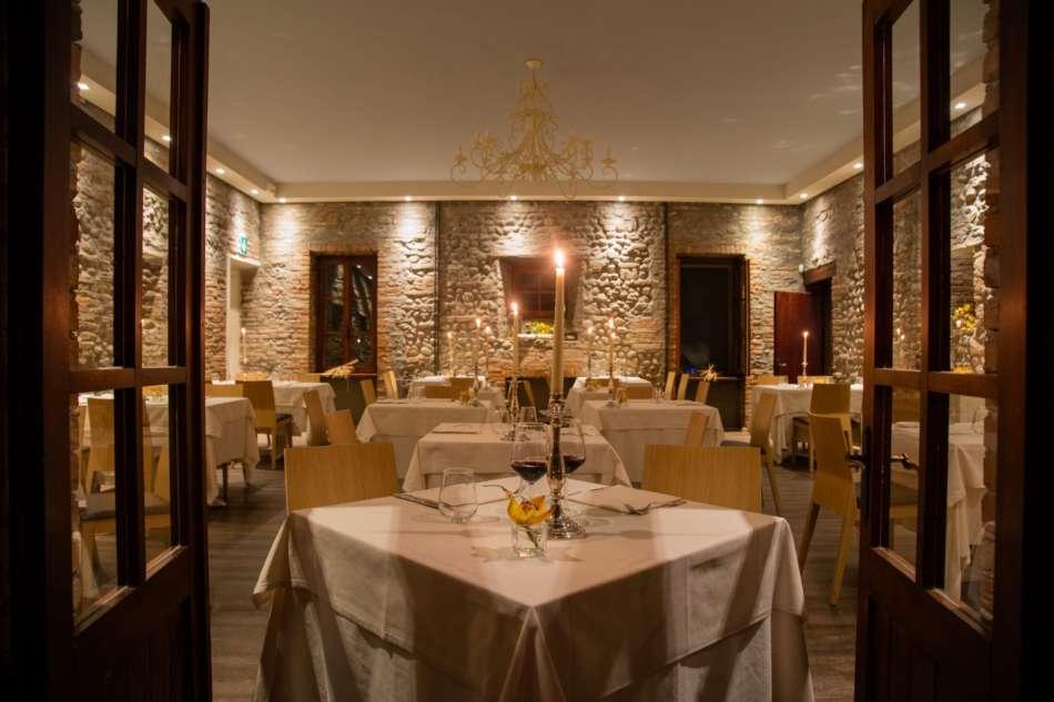 San Valentino al ristorante? Le preferenze degli italiani e la top 50 dei più romantici
