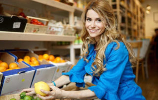 Cucinare con i bambini, un'idea per educarli ad una sana alimentazione