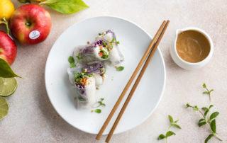 Ricetta per il fine settimana: Spring roll di pollo e mela Ambrosia