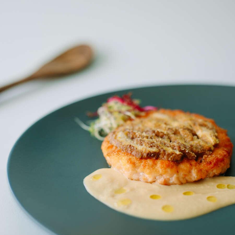 Fishburger Fumara gratinato ai funghi con salsa di ceci