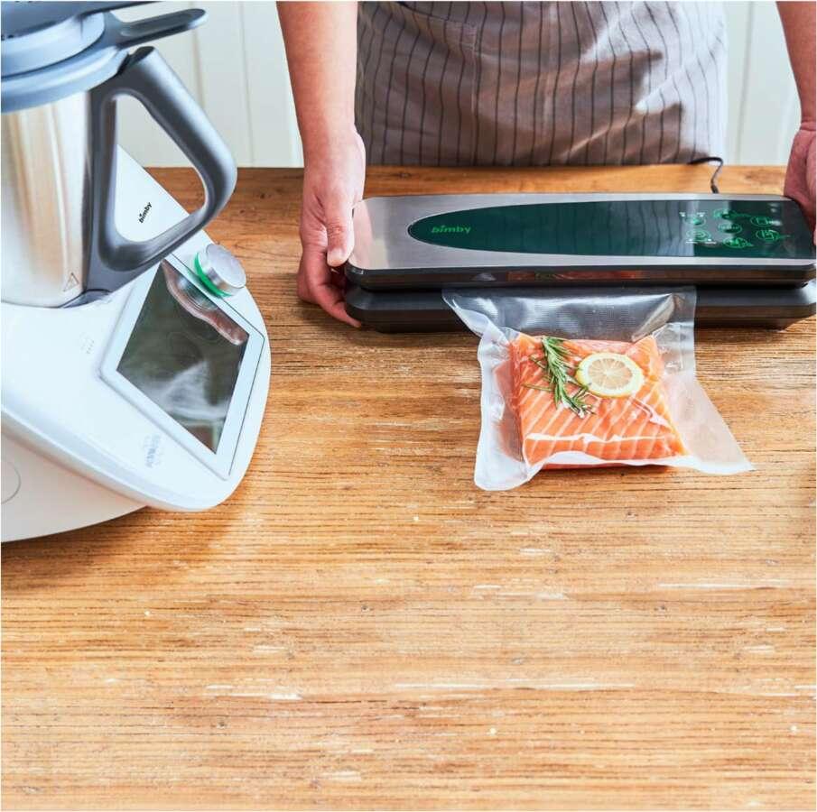 Bimby® TM6 presenta il nuovo sistema di cottura sottovuoto